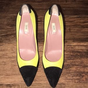 Bright yellow and black Prada stilettos 9 (39)